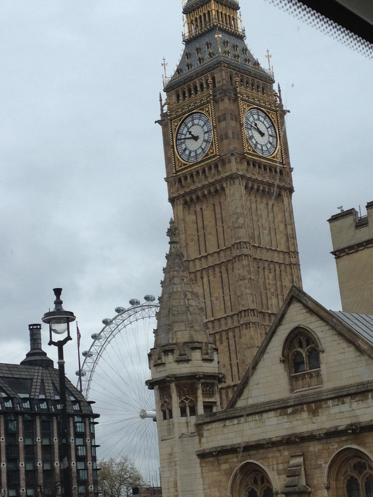 Old meets New: Big Ben and the London Eye